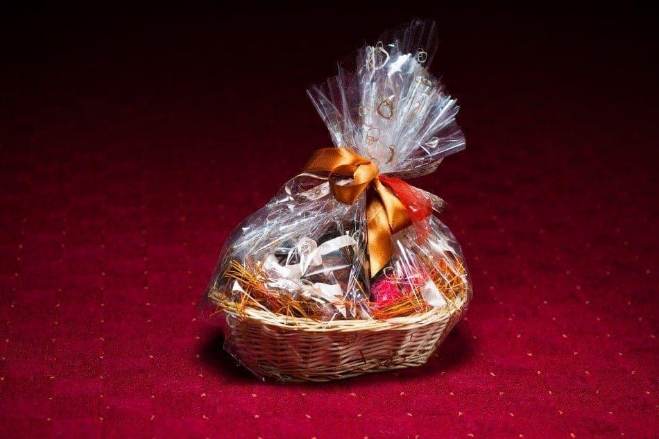 3 grunde til at du skal glæde aftenens værtinde med en dejlig gavekurv